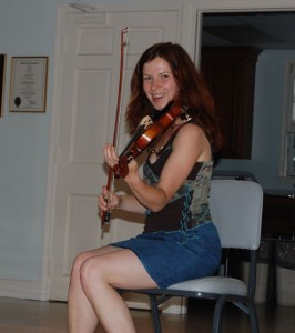 Gudrun Walther of Cara, Irish National Champ fiddler, leads a workshop.